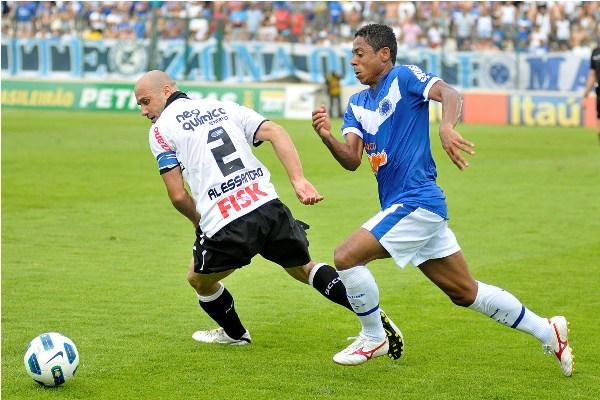 Corinthians, de Alessandro, levou a melhor sobre o Cruzeiro, de Marquinhos Paraná