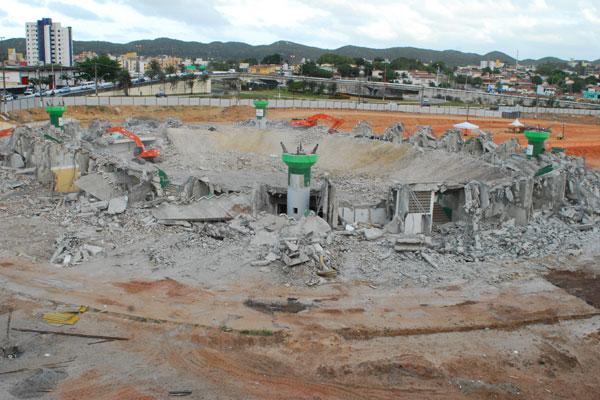 Quem acompanhou o início da demolição ontem, se surpreendeu com a mudança da paisagem hoje