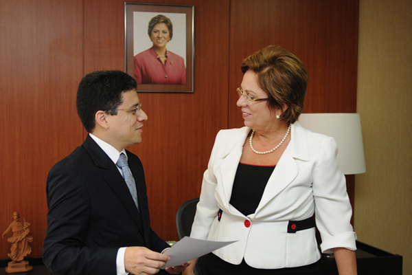 * Anselmo Carvalho vai substituir Paulo de Tarso no Gabinete Civil.