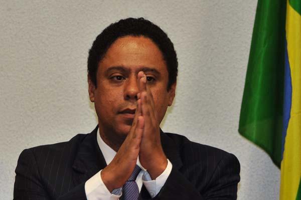 Ministro dos Esportes entregou carta de demissão à presidente Dilma