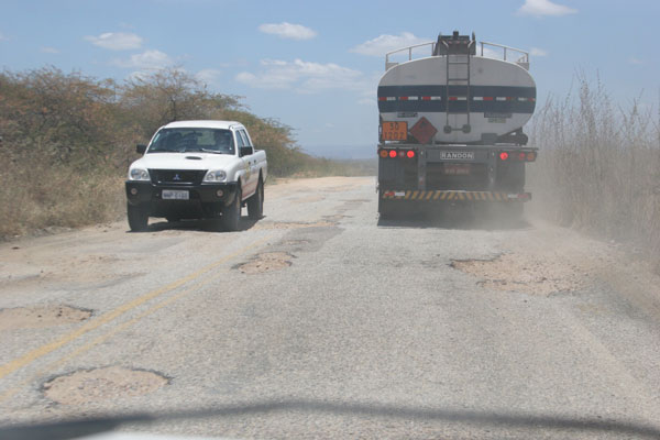 Estudo aponta que 68,2 por cento das estradas do Rio Grande do Norte estão em situação regular, ruim ou péssima.