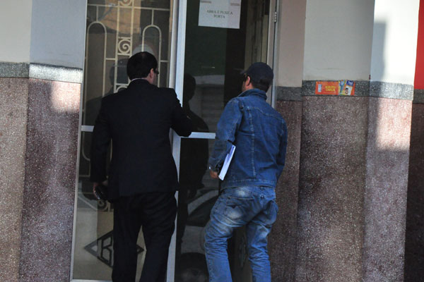 Rômulo Lemos foi à Delegacia de Defesa da Mulher na tarde de ontem