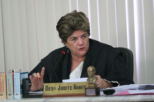 Judite Nunes aponta que lei municipal desrespeitou a independência entre os Poderes