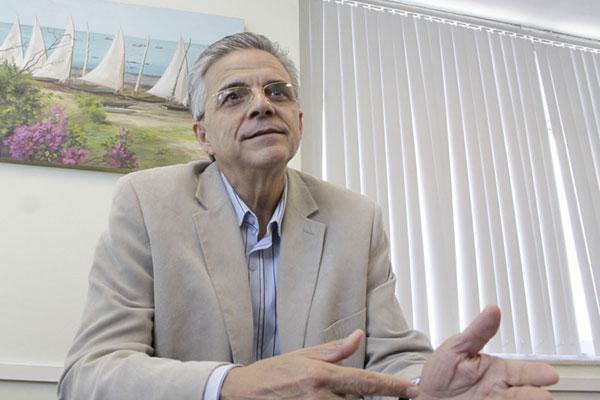 Domício Arruda: nomeações em 2008 agravam o problema