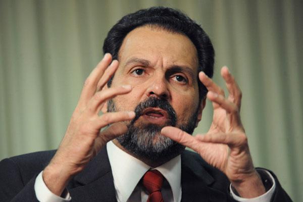 Agnelo Queiroz nega motivações políticas nas demissões