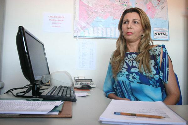 Sírlia Fernandes acredita que se o volume de recursos destinado às escolas fosse maior, o número de detentos poderia diminuir