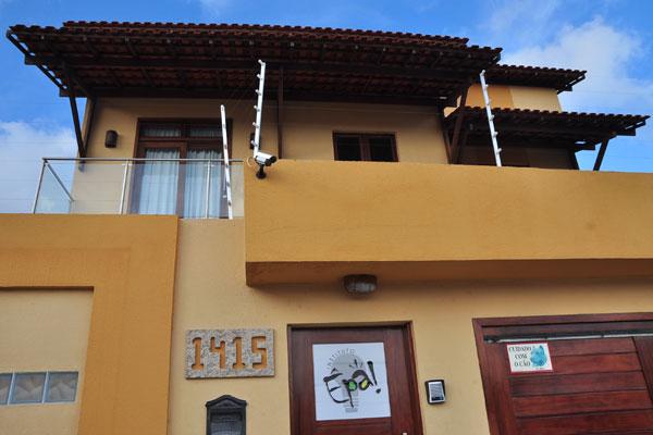 Na sede do Instituto Êpa, em Lagoa Nova, portas estão fechadas e funcionários confirmam paralisação