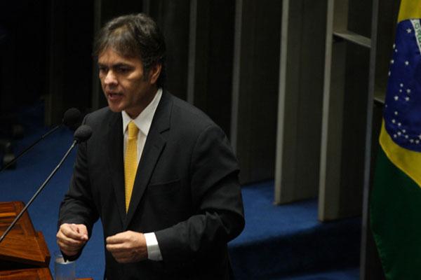 Cássio Cunha Lima afirma que 'juiz nenhum' pode substituir o eleitor