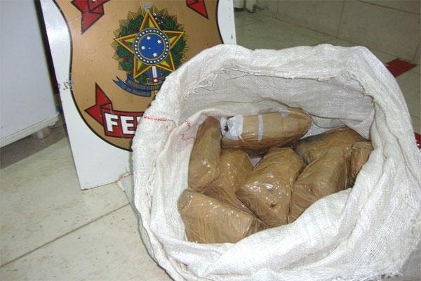 Os oito quilos de maconha seria distribuída em Assu.