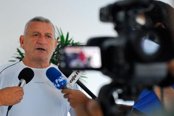 Flávio Anselmo fez um apelo aos torcedores para evitar punições