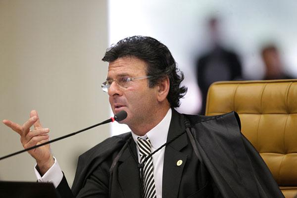 Luiz Fux afirma que debate vai ser retomado em plenário e que parecer apresentado não é definitivo