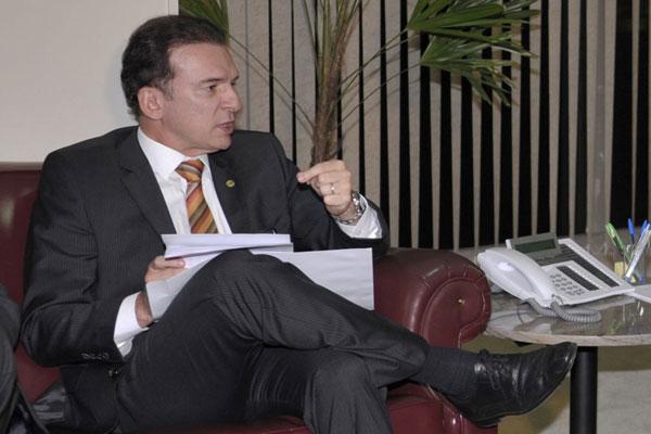 Ophir Cavalcante defende a revisão do parecer lido pelo relator no plenário do Supremo Tribunal