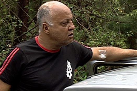 Reinaldo, ex-atacante do Atlético-MG, tem ferimento no braço após confusão