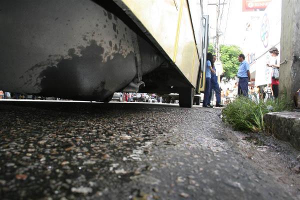 O vazamento do combustível ocorreu na avenida Rio Branco