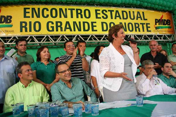 Rosalba Ciarlini prestigia encontro estadual do PMDB e destaca prioridade administrativa