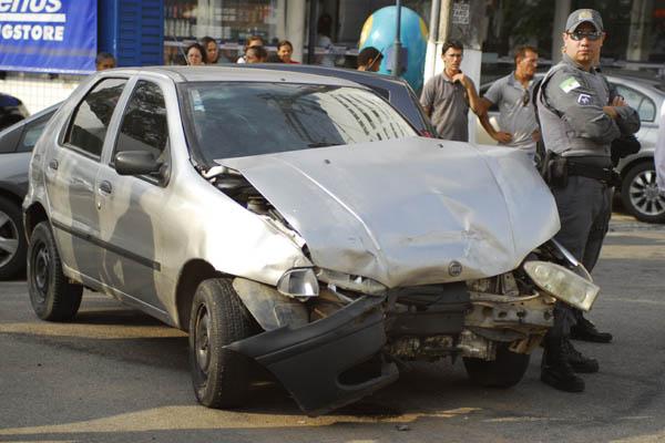 PM informou que não havia queixa de furto quanto ao carro utilizado pelos criminosos
