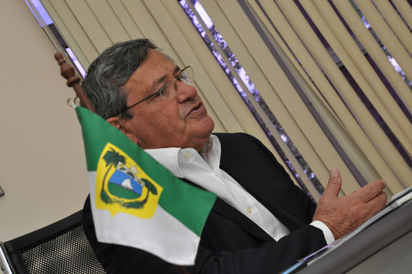 Benito Gama: O aeroporto valerá para todo o Nordeste. Juntamente com a Transnordestina, o Porto de Suape, o Porto de Pecém, e agora o Aeroporto de São Gonçalo do Amarante são os quatro pilares logísticos da região.