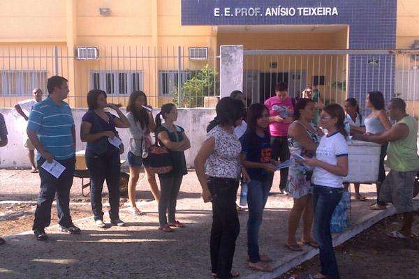 Movimentação do vestibular na Escola Estadual Professor Anísio Teixeira