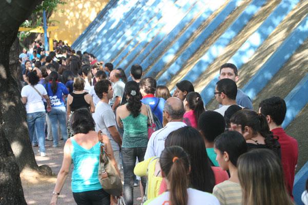 Estudantes chegaram cedo para o segundo dia de provas