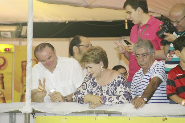 Ex-governadora compareceu ao último dia da micareta