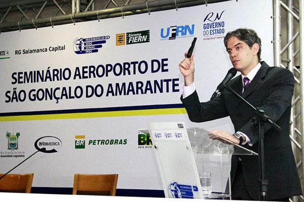 Alex Régis Ricardo Amorim acredita que o país deverá continuar crescendo  nos próximos anos 33fce75504