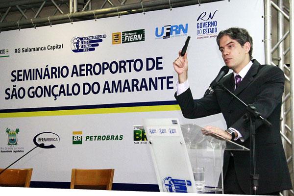 Ricardo Amorim, economista que faz parte do programa Manhatan Connection (GloboNews), traçou quadro da economia mundial