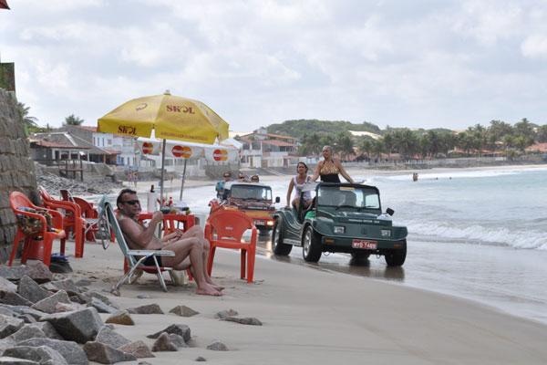 Moradores e visitantes das praias do litoral potiguar se preparam para mais um veraneio com problemas de segurança, limpeza e falta de fiscalização
