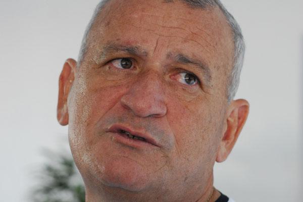 Para Flávio Anselmo é impossível competir com os clubes de SP