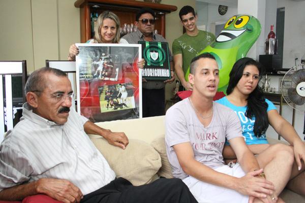 Rodriguinho,  com toda sua família, sabe que o apoio deles foi de extrema importância para alcançar o sucesso no América/MG