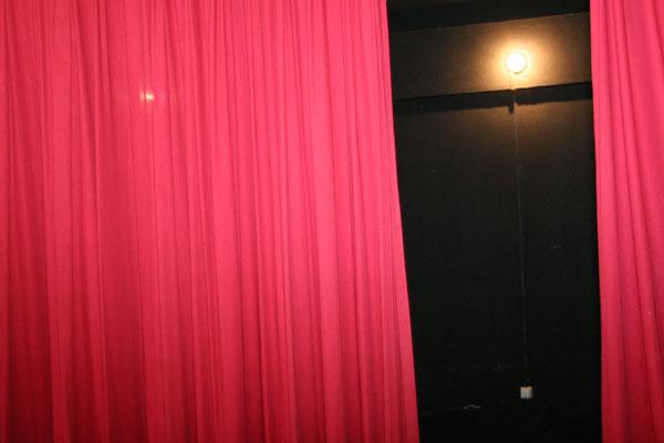 Ainda não foi este ano que o Teatro Sandoval Wanderley ganhou a reforma. A reabertura ficou para 2012.