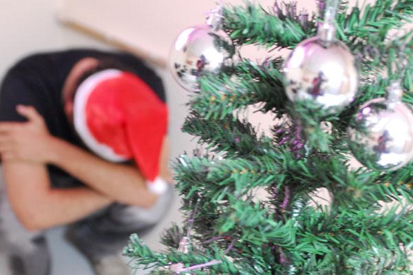 Com a proximidade das festas natalinas, algumas pessoas, em vez de entrar no clima de felicidade e harmonia, ficam tristes e deprimidas