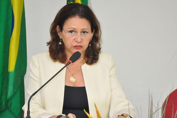 Secretária Betânia Ramalho apresentou o Calendário Escolar 2012