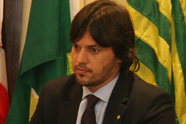 Fábio Faria afirma que senador do DEM foi nomeado por ditadores