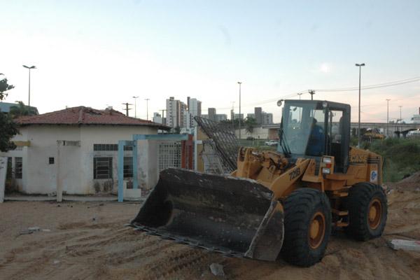 A primeira ação da obra ocorreu em 2010 com a queda da creche