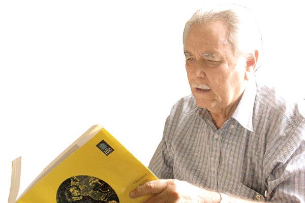 Morre o advogado e escritor Enélio Lima Petrovich. Ele esteve à frente, por quase cinco décadas, da mais antiga entidade do Estado, o Instituto Histórico e geográfico