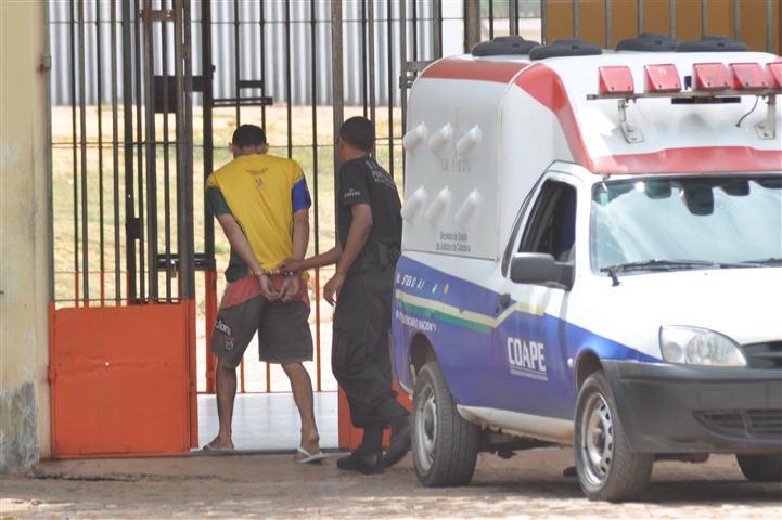 Detento Jeanderson Rodriques confesou homicídio em Alcaçuz foi levado para autuação na delegacia