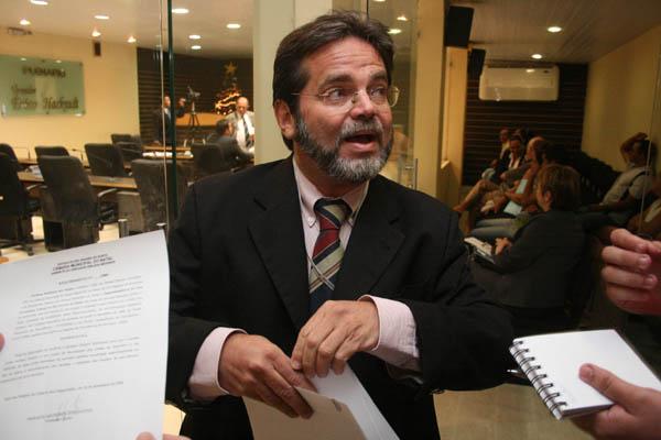 Ex-vereador Emilson Medeiros: condenado a 7 anos, 9 meses e 10 dias de pris�o e multado em 150 sal�rios