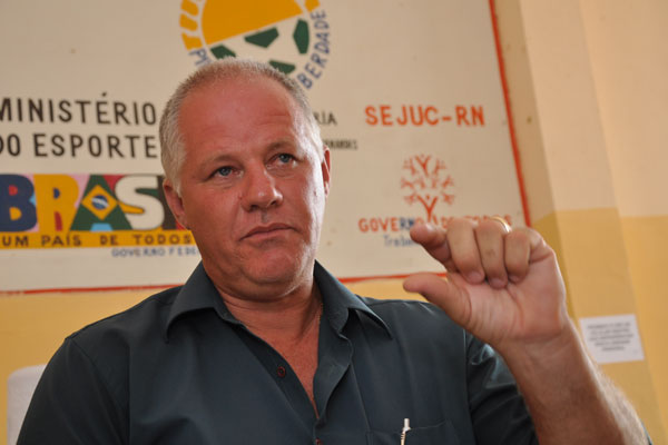 Engenheiro Marcos Glimm diz que presos só fugiriam com ajuda