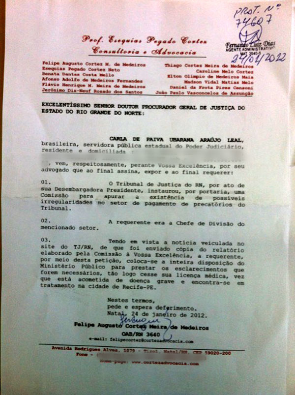Advogado mostrou documento que comprova a solicitação e que Carla Ubarana está à disposição da Justiça