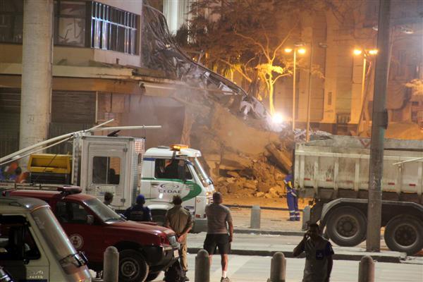Prédio que desabou na Rua 13 de maio, no centro da cidade, fica perto do Theatro Municipal, do Quartel Central da Polícia Militar e da Câmara Municipal do Rio