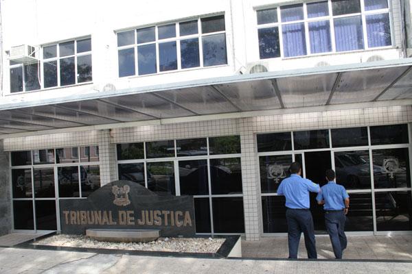 O pedido dos promotores não foi ainda apreciado pela Justiça.