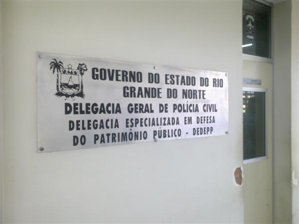 Cláudia Suely prestou depoimento na Delegacia Especializada em Defesa do Patrimônio Público