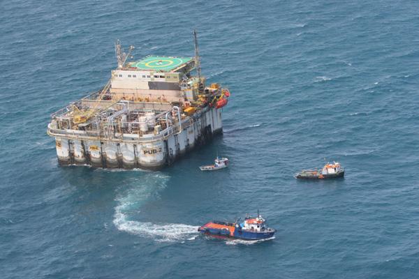 A exploração em águas profundas é uma das apostas da petrobras para reforçar a produção. a estatal também planeja adquirir novas áreas no estado, em leilão que será promovido pela ANP