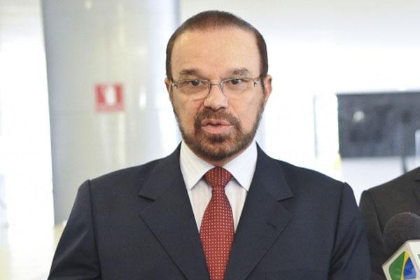 Líder do PR, deputado Lincoln Portela, cogita reaproximação da base de sustentação a Dilma Rousseff