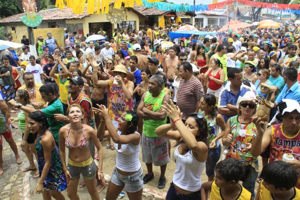 Polícia Militar sugere que foliões tomem certos cuidados para evitar problemas durante os festejos