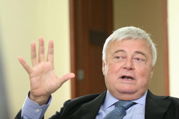Ricardo Teixeira renunciou a presidência da CBF nesta segunda