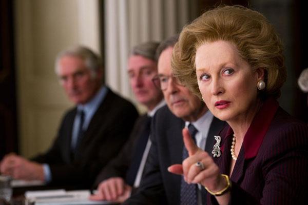 Maryl Streep, que recebe o Urso de Ouro em Berlim, é a favorita ao Oscar, pelo papel em Dama de Ferro