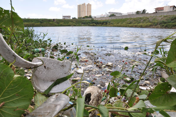 O Município de Natal terá 15 dias para limpar lagoas de captação.