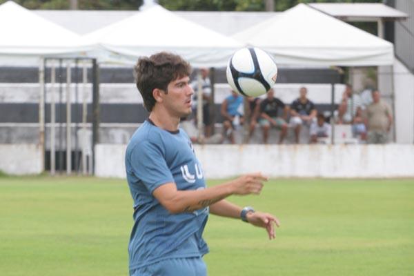 O zagueiro Alison foi o autor do gol na primeira partida, que pode ser o do título