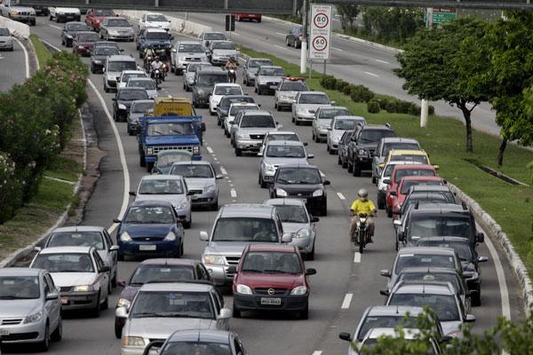 O Rio Grande do Norte fechou o ano passado com o maior índice de veículos per capita da região